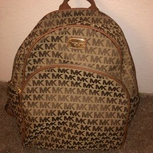 Michael kors beige back pack
